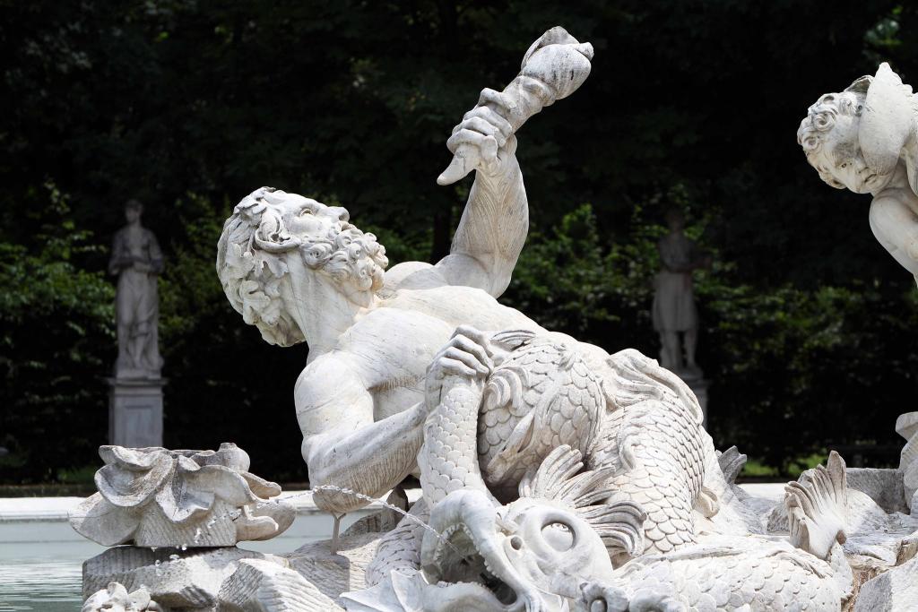 Fontana dei Tritoni e delle Nereidi