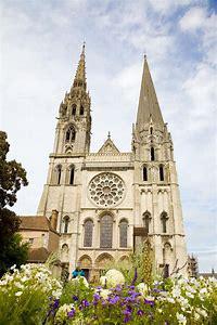 Facciata principale della cattedrale di Chartres