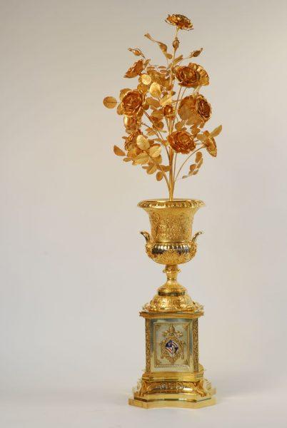 rosa d'oro donata da papa Pio IX alla regina Maria Adelaide Asburgo-Lorena, parte del tesoro della santa sindone