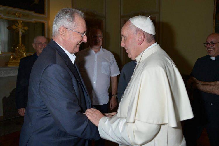 Padre Lino Tieppo S.J. con il Papa